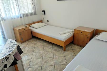 Freya 2-Separate Bed Room (N:2)