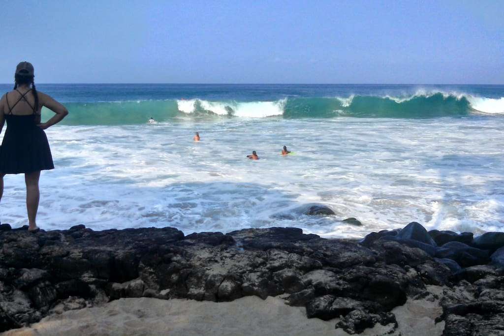2 Blocks from Magic Sands Beach