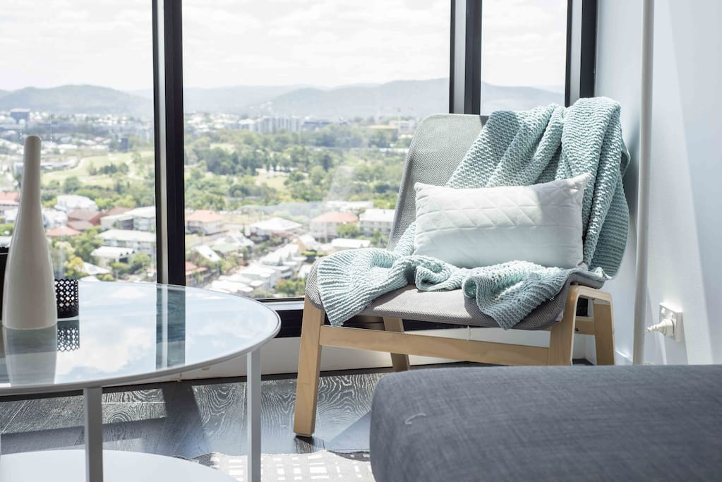 Flattering Pad With Lovely Views Pool Apartments For Rent In Fortitude Valley Queensland