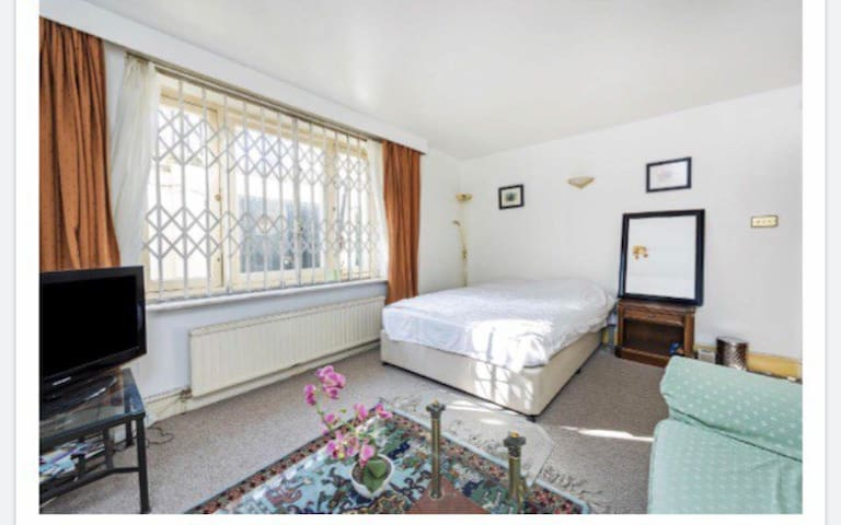 Marble Arch 3 Bed Apartment