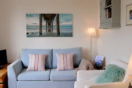 Sea Song, Niton, Isle of Wight - Niton