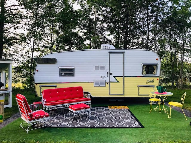 Welcome to Mellow Yellow!  Our 19 foot 2015 Shasta Airflyte. You will love the vintage appeal with all original detailing of 1961.