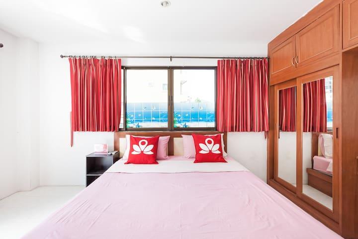 Premium Room at Nanai Guesthouse - Phuket - Pis