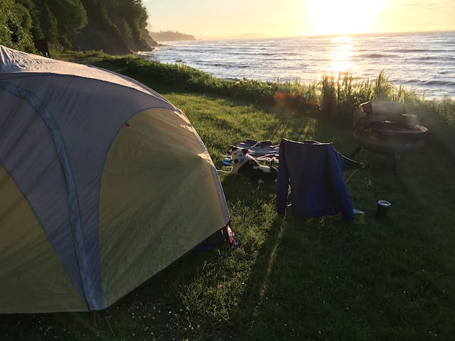 Tent Camping - Whiskey Creek Beach Front (T9)