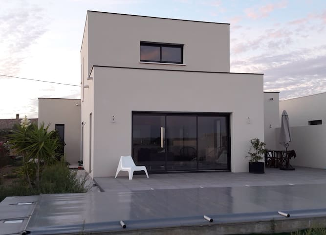 Villa avec piscine vue sur vignes - Jonquières - Casa