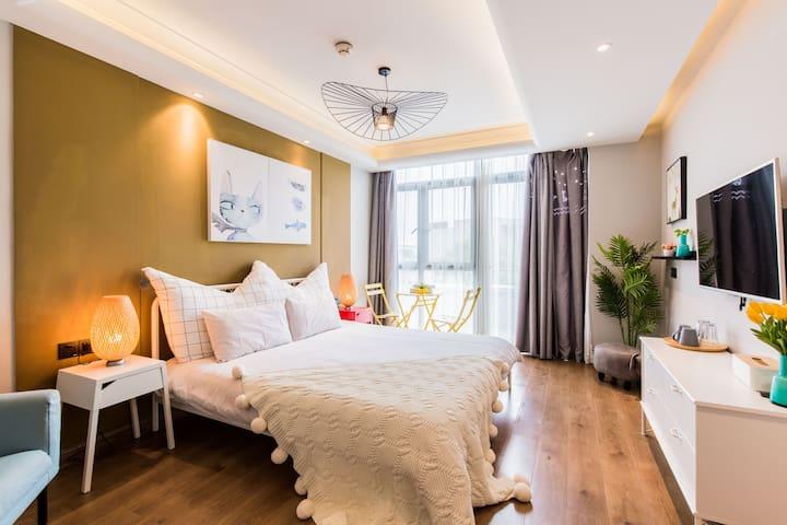 独立卧室,地源热泵中央水空调,24小时热水,景观阳台