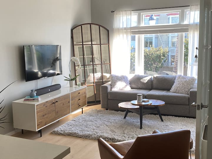 Sunny, chic 1-bedroom condo in Mission Dolores