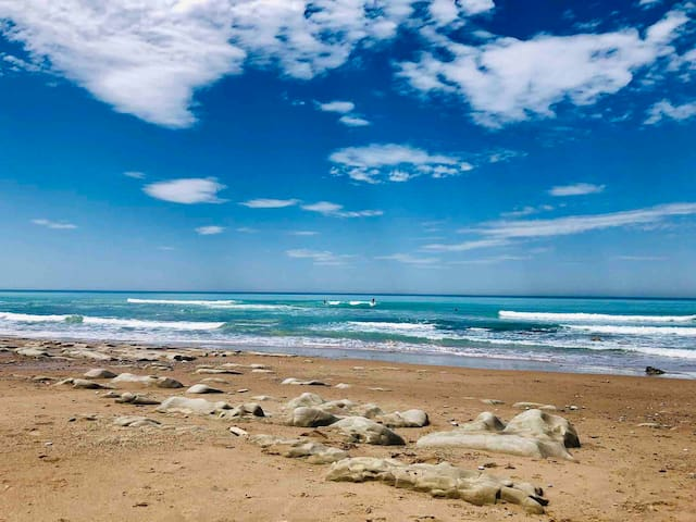 Joli appartement pleine vue mer, plage à pied