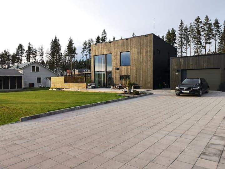Nybyggd villa, centralt i Skellefteå