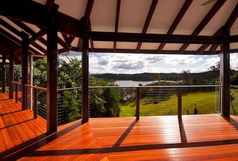 Tinaroo Lake House, Atherton Tablelands via Cairns