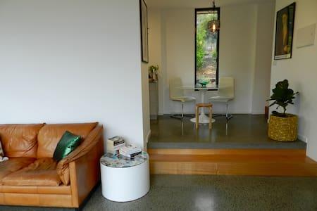 Arty Acton Apartament - Huoneisto