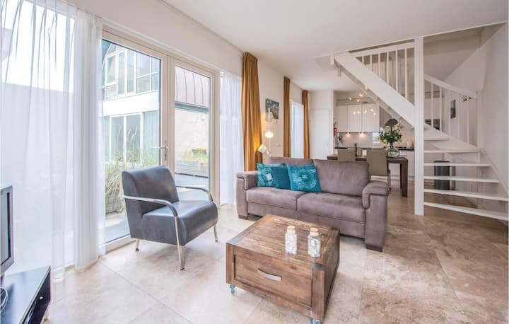Holiday cottage with 1 bedroom on 90m² in Egmond aan Zee