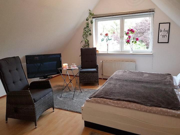 Gemütliche Doppelbett-Suite in ruhiger Lage