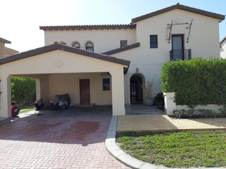 6 Bedroom villa In Marassi north coast