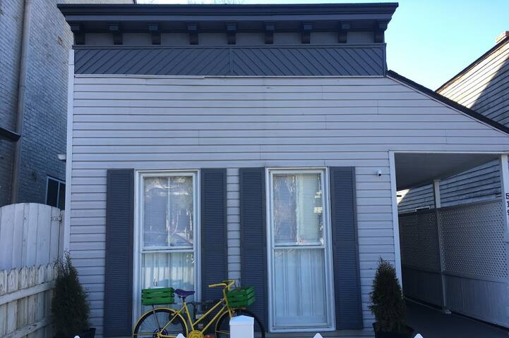 Rivertown Retreat in Historic Downtown