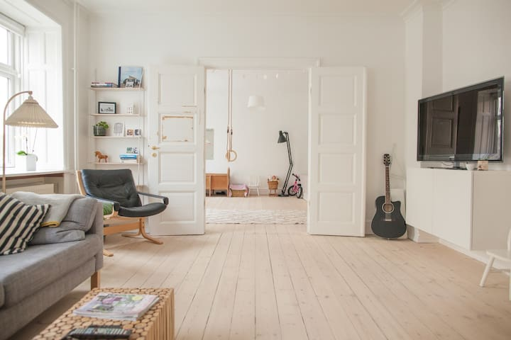 Cosy, light and spacious apartment in Copenhagen. - København