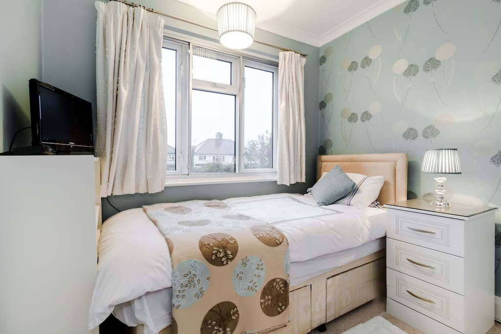 Room To Rent In Cockfosters