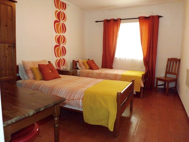 Vine -  3 bedroom apartment with use of pool