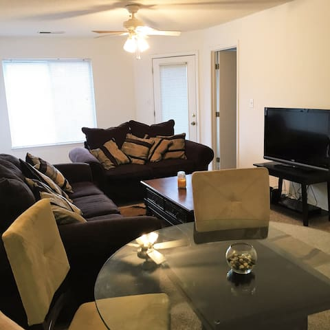 Private room in Lake Park - Raleigh - Apartment
