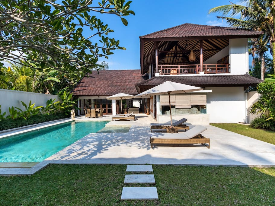 Outdoor / Swimming Pool