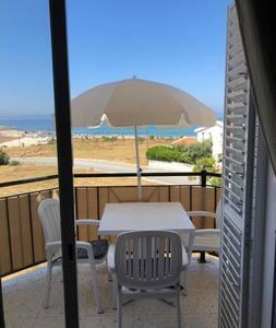 Вид на море! Две спальни, два туалета!!!