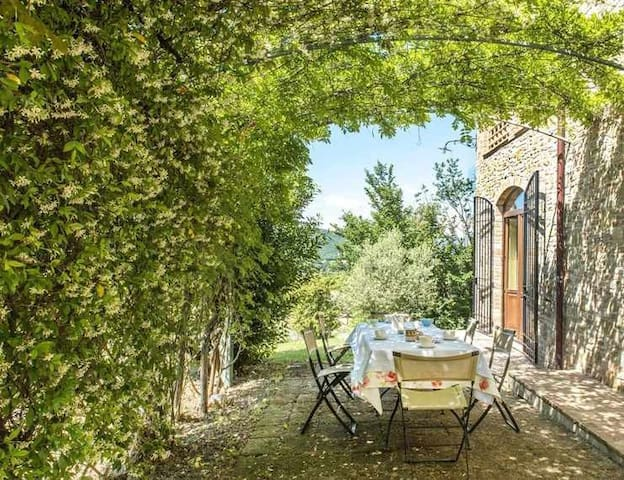19th century charming countryhouse, ideal for groups!