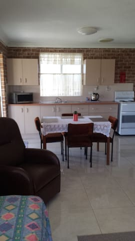 Mountain View - Macksville - Apartment