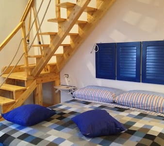 quadruple bed Blue Sea- guest house PompeiLog - Pompeji