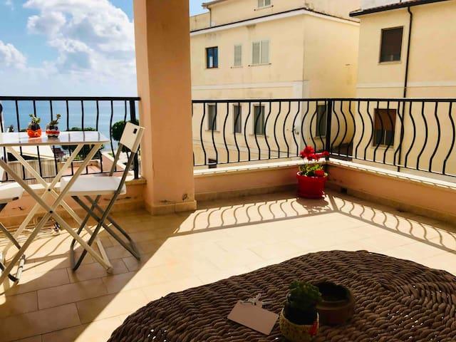 Stanza doppia con balcone vista mare