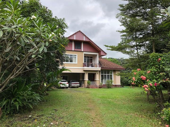 San Kamphaeng HillSide