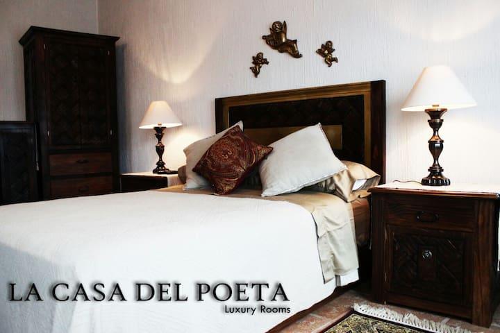La Casa del Poeta - San Miguel de Allende - House