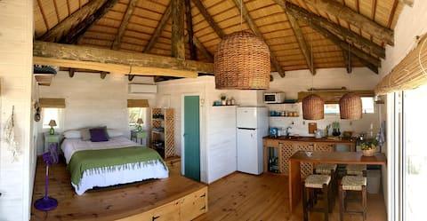 Beach cabin steps away from Playa la Viuda