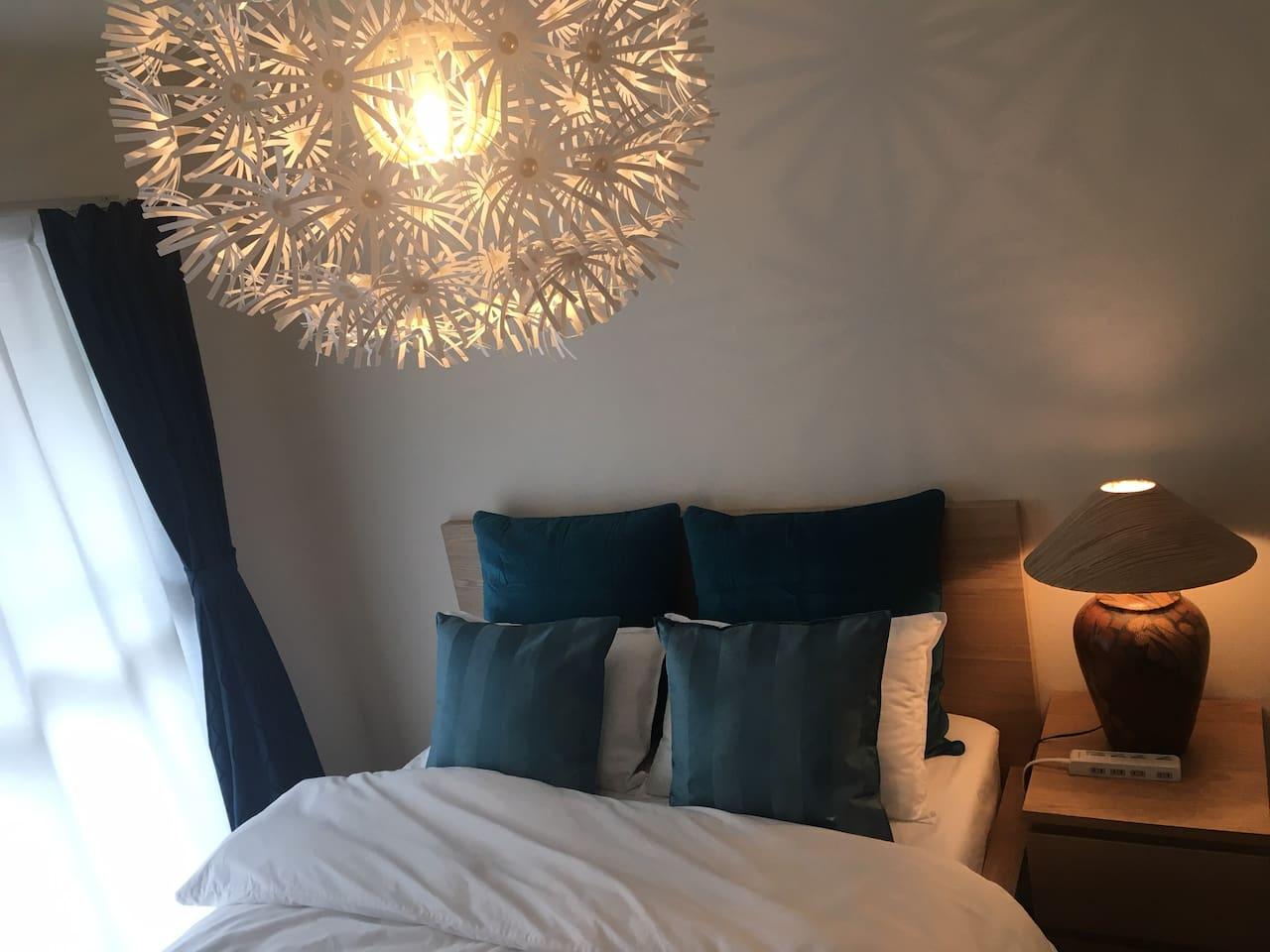 ベッドルーム ダブルベッド 160×200cm bedroom  Double bed 160x200 cm