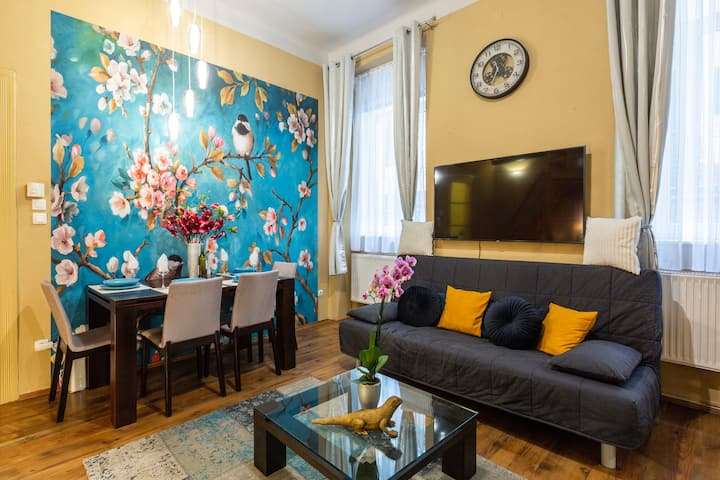 Cherry Blossom Designer Apartment in the Center