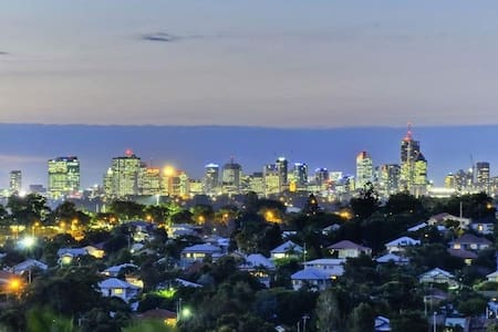Inner City 2 Bed 2 Bath Secure Apartment FREE WIFI - Moorooka