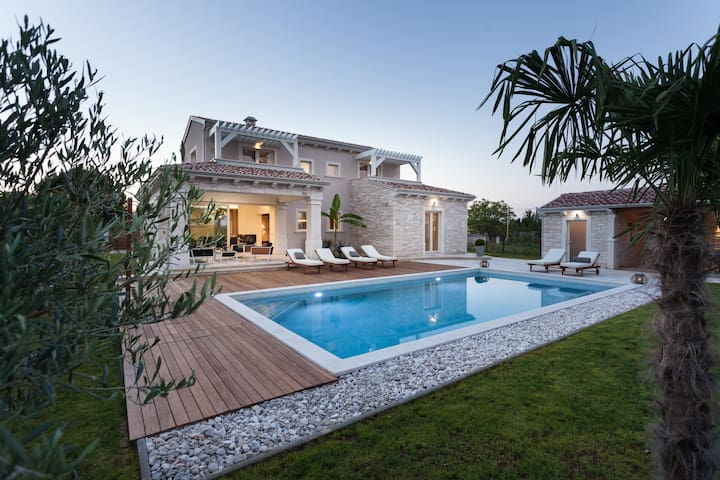 Villa Gregi - Kringa - Casa de camp