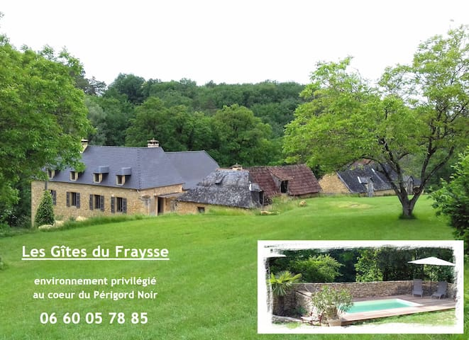 2pers cottage in perigord farm with pool