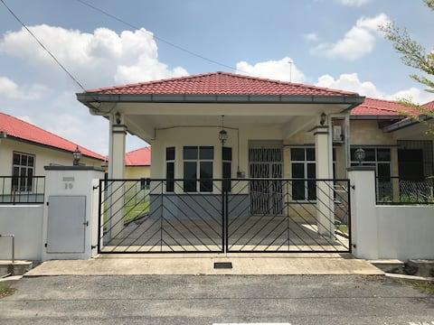PATIN GUEST HOUSE @DTI, NEAR HOSPITAL TEMERLOH