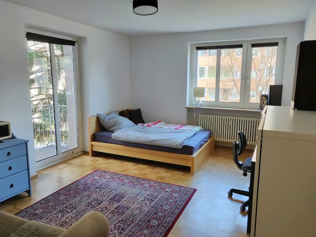 Cozy private room near Rotkreuzplatz 舒服私人房间,慕尼黑市中心
