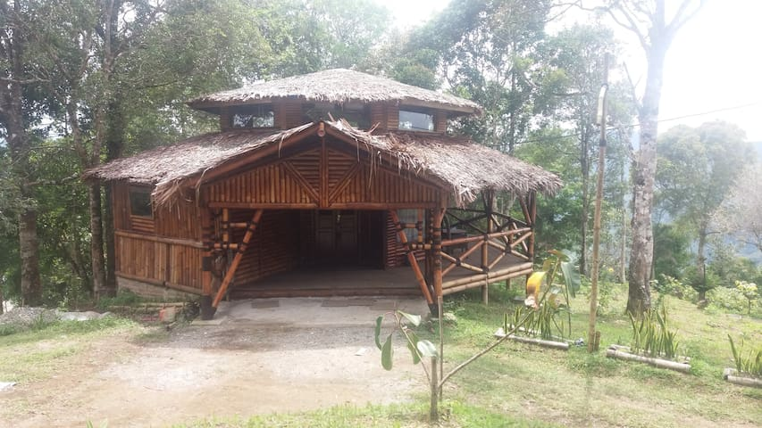 Bamboo Cottage Lawang Adventure Park - Matur - Cabin