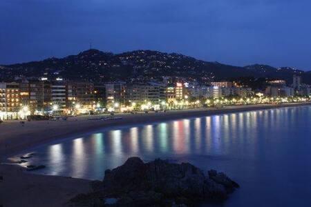 Lloret exkl. Appartement mit Klima u. Pool 2 Pers. - Lloret de Mar