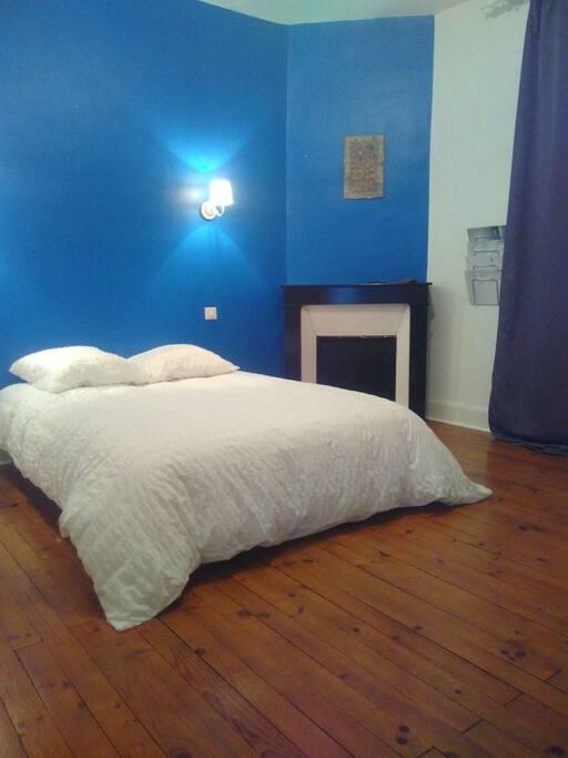 maison ann es 30 chambre bleue houses for rent in clermont ferrand auvergne rh ne alpes france. Black Bedroom Furniture Sets. Home Design Ideas