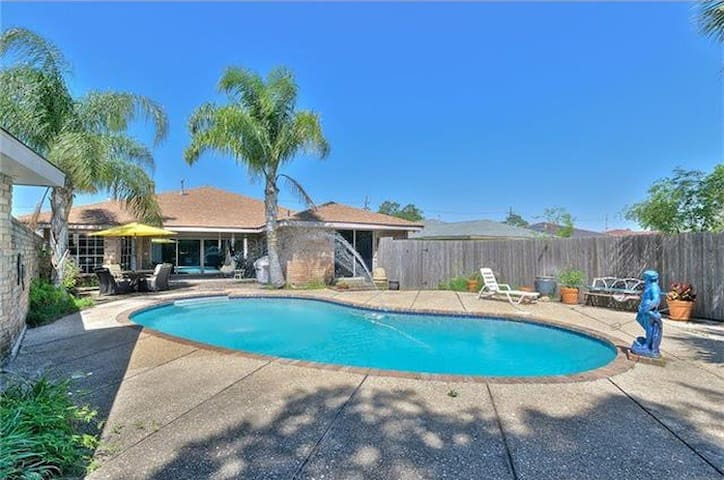 Modern 3br home with Beautiful Outdoor Area!!!