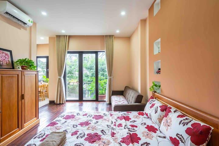 Nice Studio-full furniture, kitchen, balcony,quiet