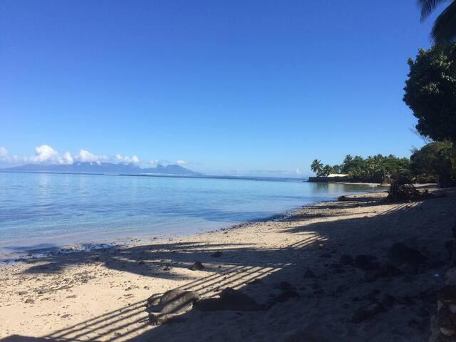 TAHITI BORD DE MER: 2 chambres privées douche/wc
