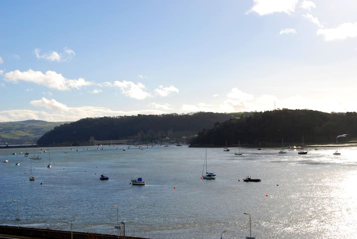 Estuary View Apartment | Great Escapes Wales