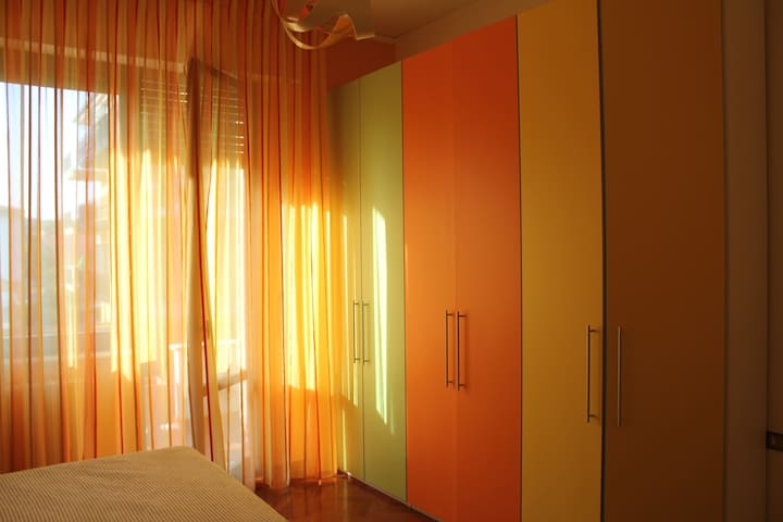 Orange room in Villa Sbatella. - Pedaso - Villa