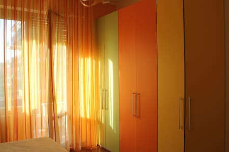 Orange room in Villa Sbatella. - Pedaso