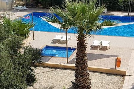 Beautiful Pool View Apt at Nissi Beach FREE WI-FI