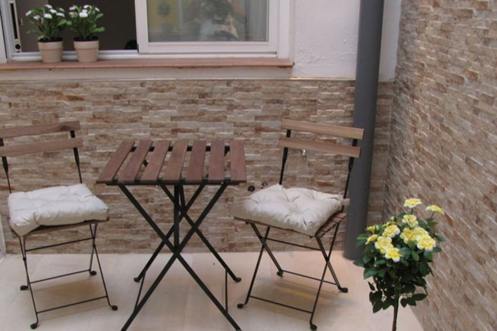 Private interior 'patio'